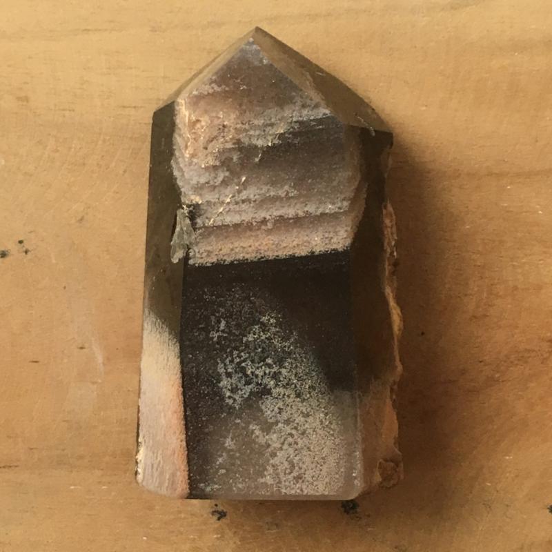 Geslepen Lodoliet Sjamaan Kristal / Lemurian geactiveerd met een Zaad van Licht (LLI)