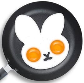 Konijn bakvorm voor gebakken ei