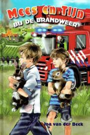 BEEK, Ina van der - Mees en Tijn bij de brandweer