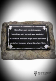 Memorial plaque-treur niet