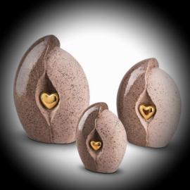 Keramische urn met hartje beige-goud