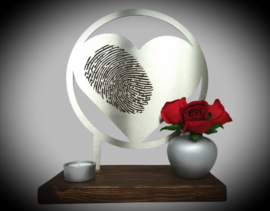 Memory holder with fingerprint