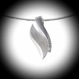 Design Ashanger Zilver met Zirkonia steentjes