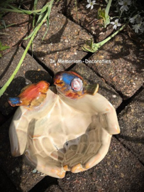 Ceramic birdbath birds in hands xl