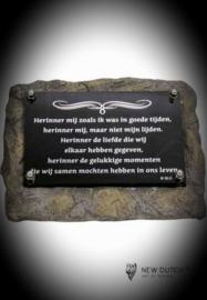 """Gedenksteen(urn) met gedenkplaatje """"herinner mij"""""""