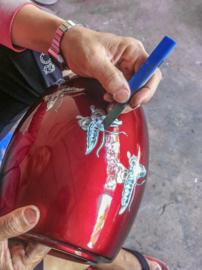 Glasfiber urn met kardinaal vogels