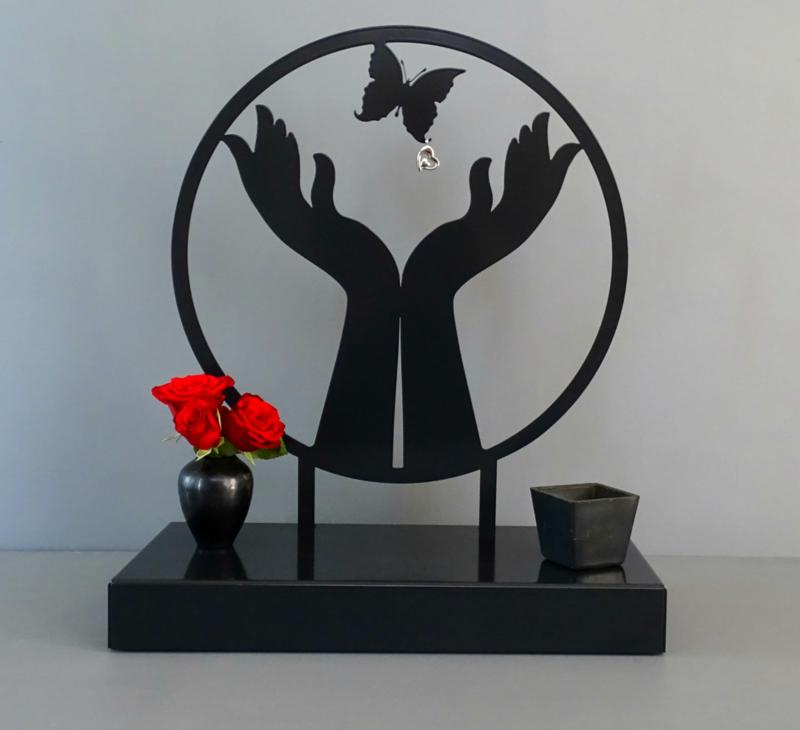 Vlinder urn