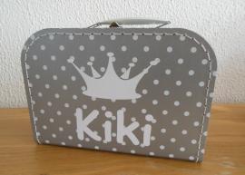 Zilver koffertje met witte stippen en naam , 25 cm of 35 cm