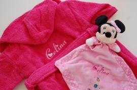 Kinderbadjas 1 tot 2 jaar met naam en/of geboortedatum, donker roze