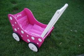 Houten poppenwagen met naam - roze