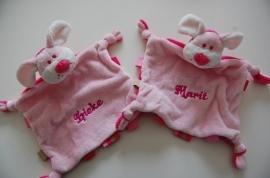 Tuttelpopje / knuffelpop hond met naam, roze