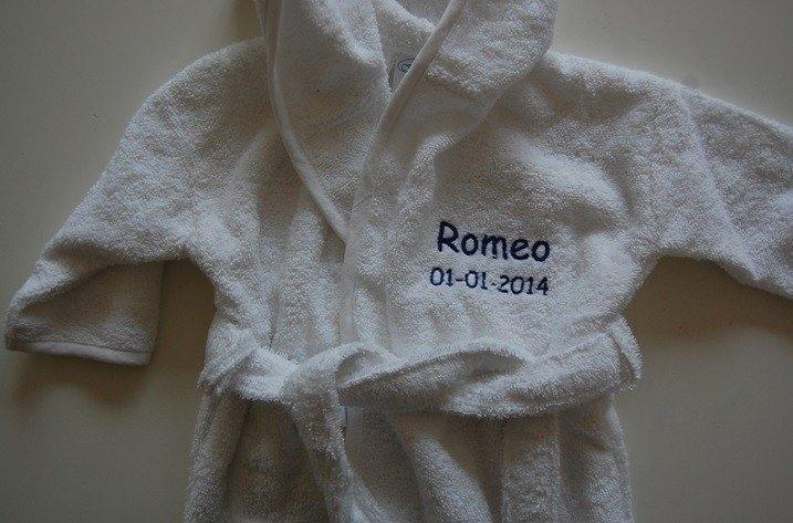 Kinderbadjas 1 tot 2 jaar met naam en/of geboortedatum, wit