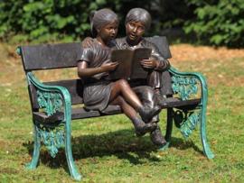 Tuinbeeld - groot bronzen beeld -  kinderen op een bank - Bronzartes