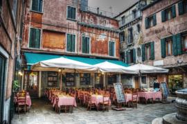 120 x 80 cm - Glasschilderij cafe - schilderij fotokunst stadsgezicht - Italiaanse straat - foto print op glas