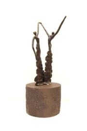 Urn brons - bronzen beeldje - sculptuur - je kracht doorgeven - 27 cm hoog - Martinique