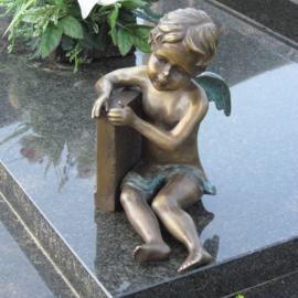Tuinbeeld - grafdecoratie - Engel bij graf  - Bronzartes