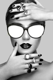 80 x 120 cm - Glasschilderij vrouw - schilderij fotokunst - Vrouwelijk model - UV geprint - foto print op glas
