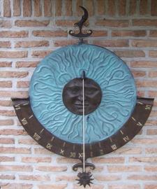 Tuinbeeld - bronzen beeld - Grote zonnewijzer  muurbevestiging - Bronzartes - 85 cm hoog