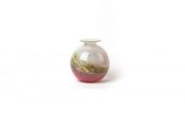 Design vaas Fidrio - glas kunst sculptuur - bolvase - Mistique pink - mondgeblazen - 19 cm hoog --