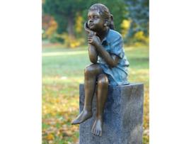 Tuinbeeld - bronzen beeld - Denkend meisje