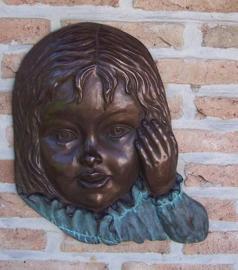 Tuinbeeld - bronzen beeld - Meisjesgezicht  muurdecoratie - Bronzartes - 40 cm hoog