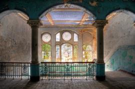120 x 80 cm - Glasschilderij - Verlaten gebouw - schilderij fotokunst - foto print op glas --