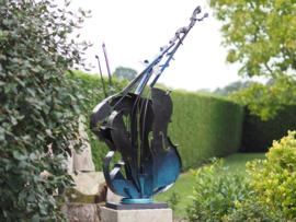 Metalen beeld - Tuinbeeld - beeld  - chello -  148 cm hoog - voor huis en tuin