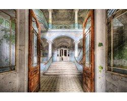 120 x 80 cm - Glasschilderij - Verlaten gebouw - schilderij fotokunst - foto print op glas