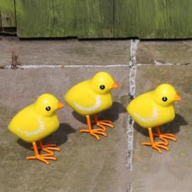 Beeld metaal - Tuinbeeld - beeld kuikens - set van 3 - 11 cm hoog