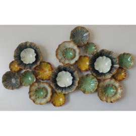 Metalen wanddecoratie - kleurrijke bloemetjes