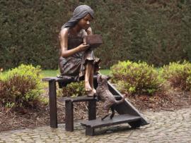 Tuinbeeld - groot bronzen beeld - meisje op trap - Bronzartes