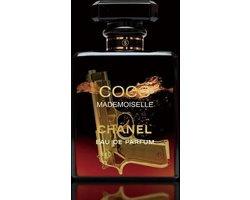 80 x 120 cm - glasschilderij - Parfumflesje van Chanel, met pistool - schilderij fotokunst - foto print op glas