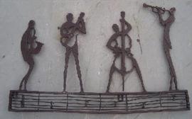 Tuinbeeld - bronzen beeld - Muurdecoratie jazz club - Bronzartes - 33 cm hoog