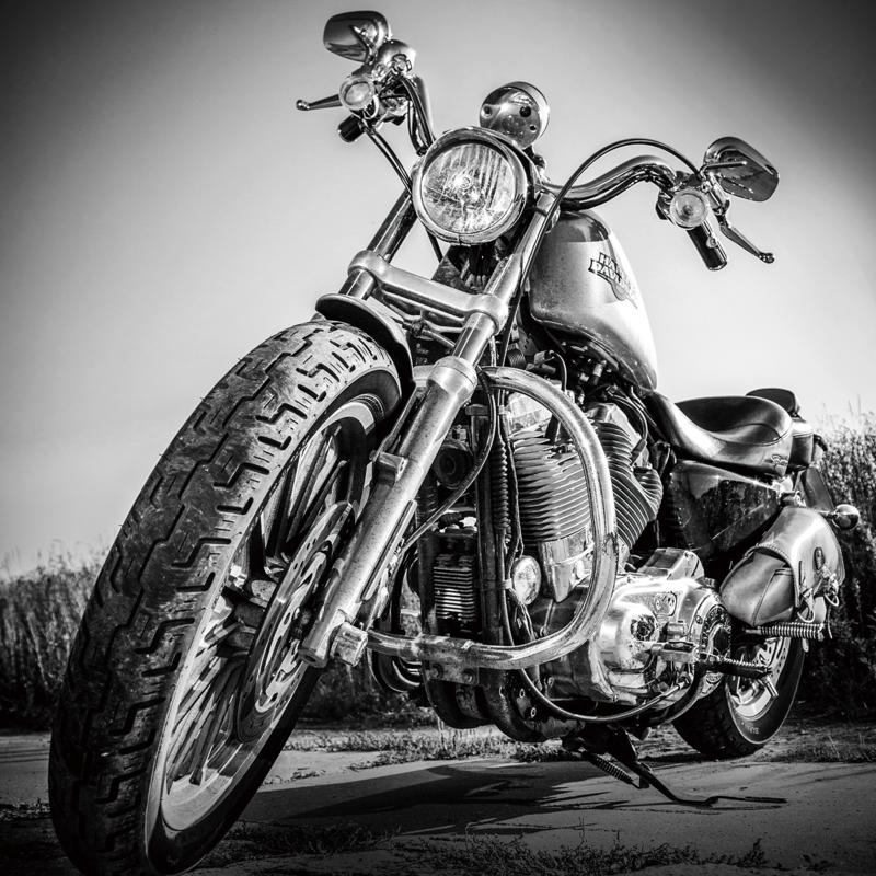 Glasschilderij - Harley Davidson motor - 80x80 cm