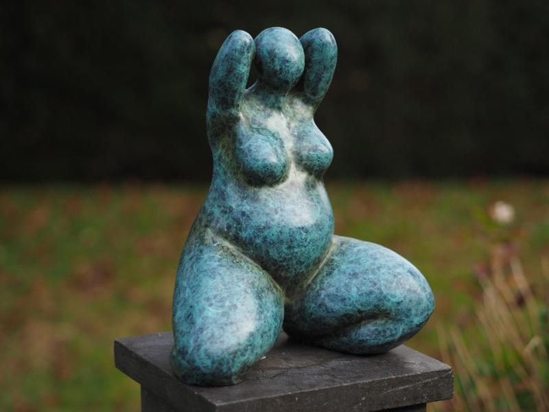 Tuinbeeld brons - bronzen beeld -  Dikke Dame - Bronzartes