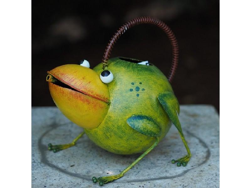 Tuinbeeld - metalen beeld - Vrolijke kikker Gieter