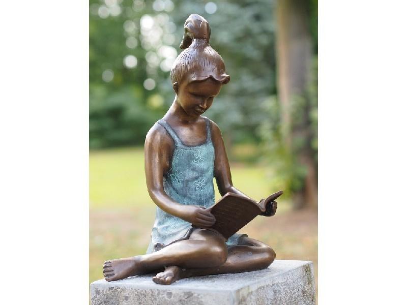 Beeld brons - Tuinbeeld - beeld Lezend meisje - Bronzartes - 41 cm hoog - voor huis en tuin