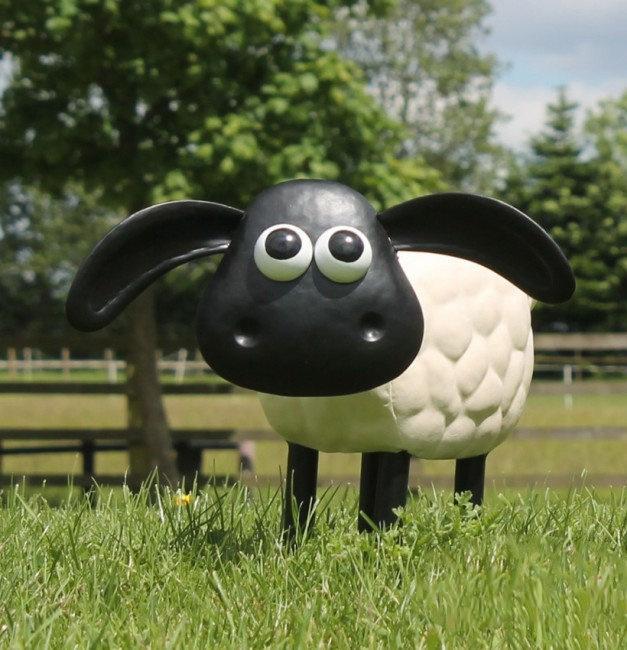 Tuinbeeld - beeld  Timmy het schaap --