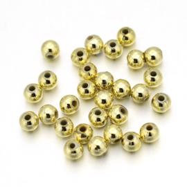 C418- ca. 400 stuks kunststof goudparels / spacers van 3mm