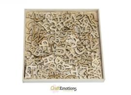 CE811500/0297- box met 250 stuks houten alfabet letters 10.5x10.5cm