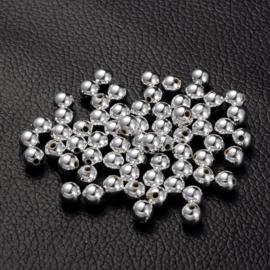 C247- ca. 120 stuks kunststof zilverparels van 6mm