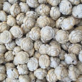C156- 15 stuks kunststof rozen beige 12mm
