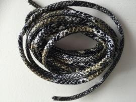 PU.10- 3 meter PU-leren koord slangenprint zwart/wit 4mm