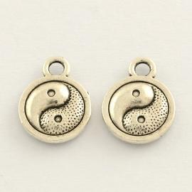 D39- 10 stuks metalen bedels yin yang 13x10mm zilver