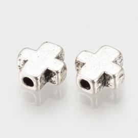 C399- 15 stuks metalen kralen kruisjes 8.5x8mm