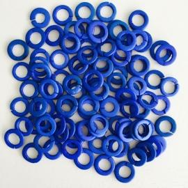 ruim 100 stuks houten ringetjes 13x2mm blauw