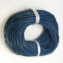 2 meter echt leren veter van 2mm dik donkerblauw