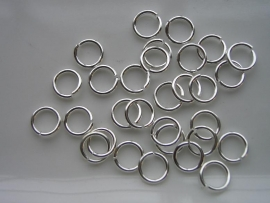ruim 200 stuks enkele ringetjes van 5mm zilverkleur