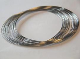 CE430402/2003- memory wire veer collier 0.65mm dik zilverkleur