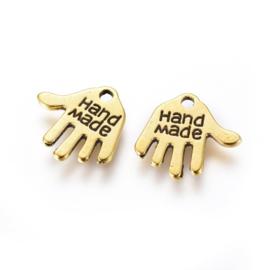 D82- 10 stuks hangers/bedels handje met tekst `handmade` 13mm goudkleur